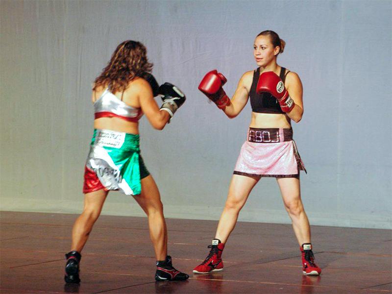 Bien pratiquer la boxe au féminin